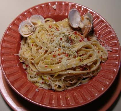 Fettucine-White-Clam-Sauce-002