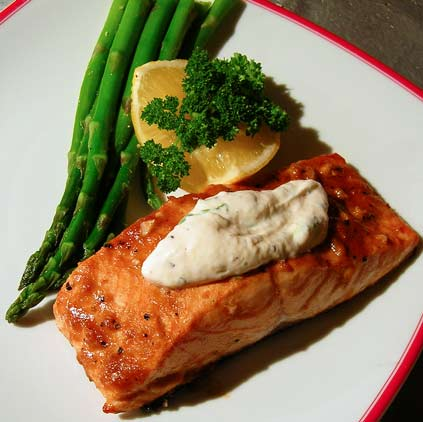 Salmon-w-Horseradish-Sauce