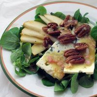 Pear-Blue-Salad-w-Shallot-Vinaigrette