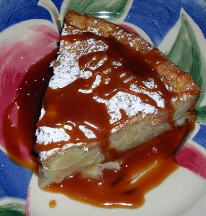 Apple-Cake-w-Caramel-Sauce