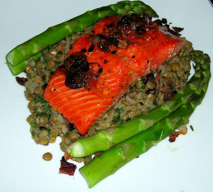 Salmon-with-Bacon-and-Lentils