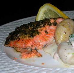 Plank-Grilled-Salmon-w-Pesto