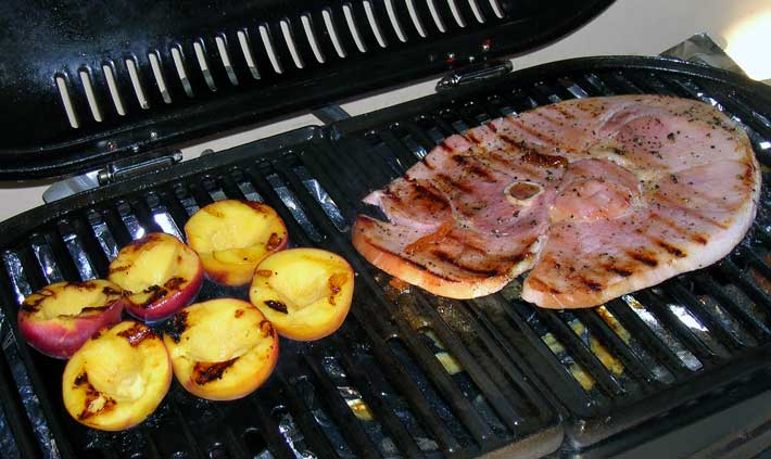 Grilled-Ham-Steak-and-Peaches