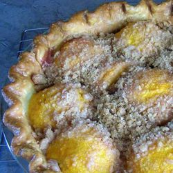 Peach-Crumble-Pie