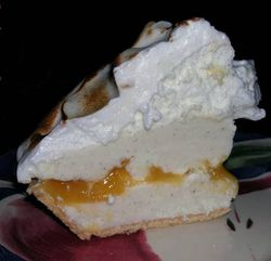 Frozen-Lemon-Meringue-Pie-2