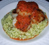 Seared-Scallops-with-Roasted-Red-Pepper-Sauce-on-Basil-Risotto