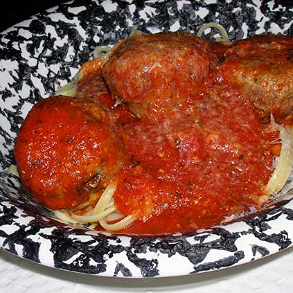 Pasta-and-Meatballs-w-Marinara