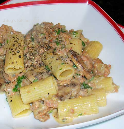 Rigatoni-with-Sausage-Mushrooms-a-Lemon