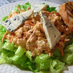 Creamy-Buffalo-Chicken-Salad