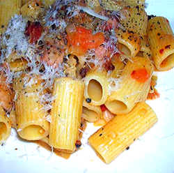 Rigatoni-w-Pancetta,-Pepper-and-Tomato