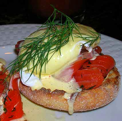Salmon-Eggs-Benedict
