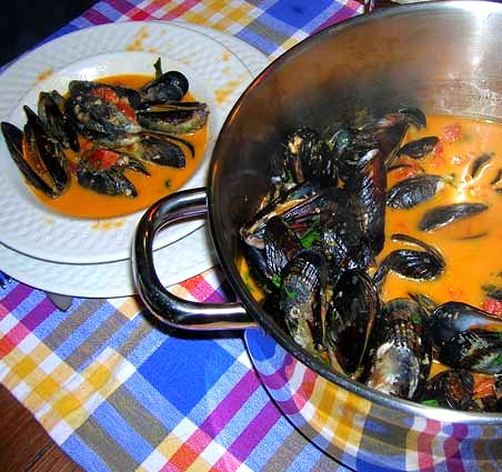 Mussels-in-Thai-Red-Curry-Sauce